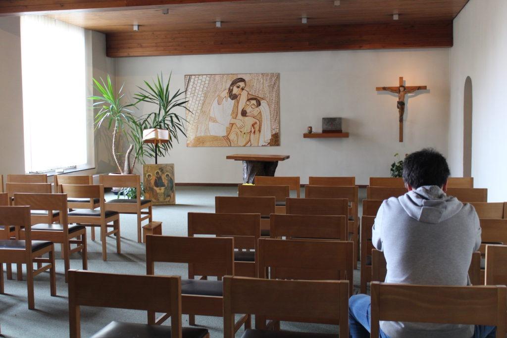 retraitant au centre spirituel jésuite de la pairelle en belgique